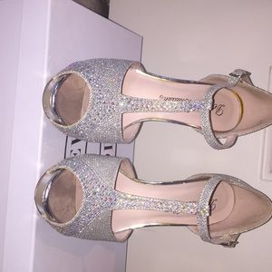 De blossom collection sparkly pumps